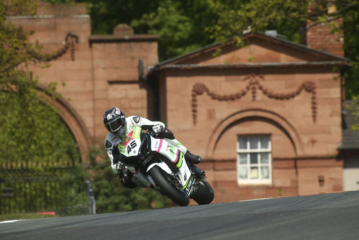 POSITIVE STEPS FOR MOVUNO.COM HALSALL RACING AT OULTON